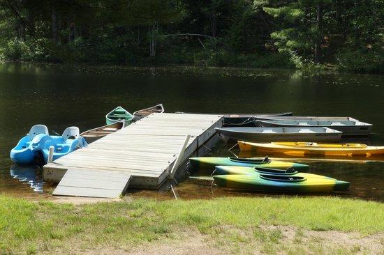 Chocorua Camping Village: Boats & Lake