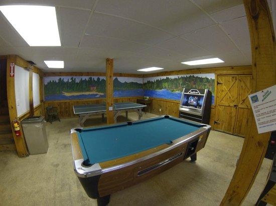 Chocorua Camping Village: Rec Room