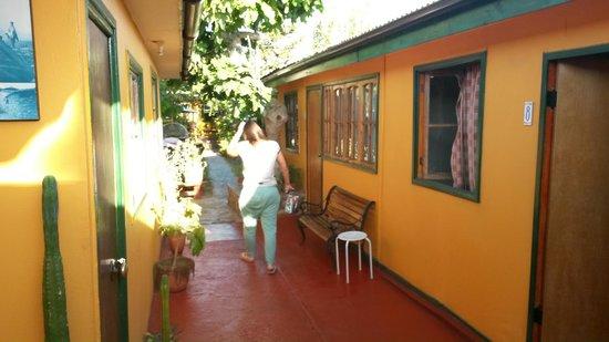 hostal maria casa: Pasillo de habitaciones