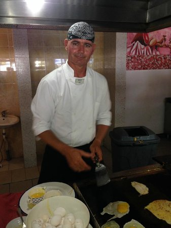 Melia Península Varadero : Isel will make your omelet  with a smile