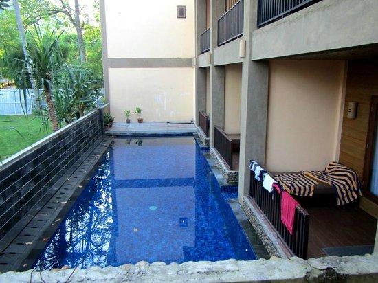 Sunset House Lombok: Pool Access Room