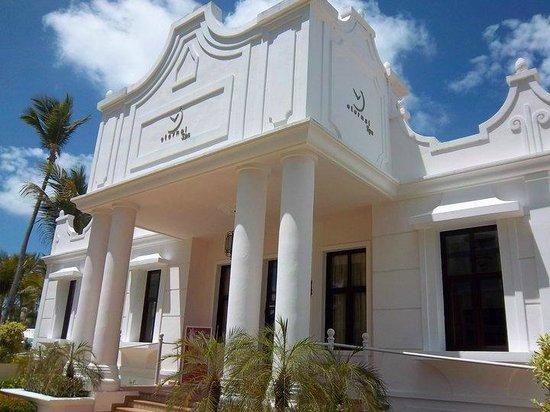 Hotel Riu Palace Punta Cana: ingreso al spa, donde hay sauna, baño romano... masajes...