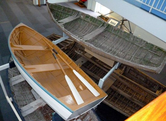 Killer Whale Museum: Old wooden whaling boats