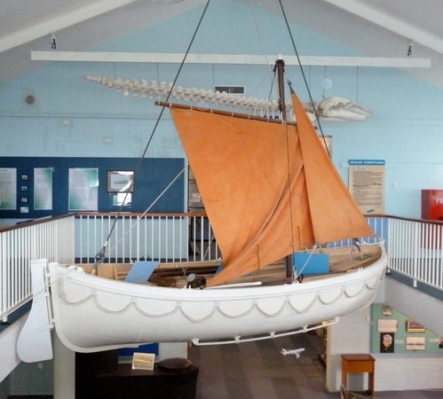 Killer Whale Museum: Old sailing boat