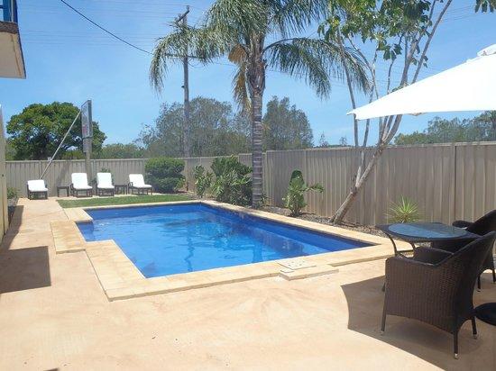 Harrington Village Motel: view of pool