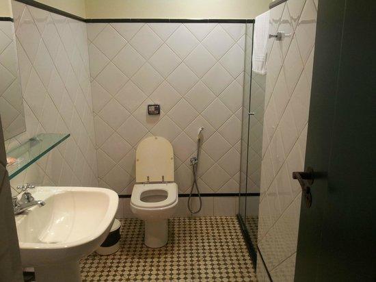 Hotel Quadrado: Banheiro