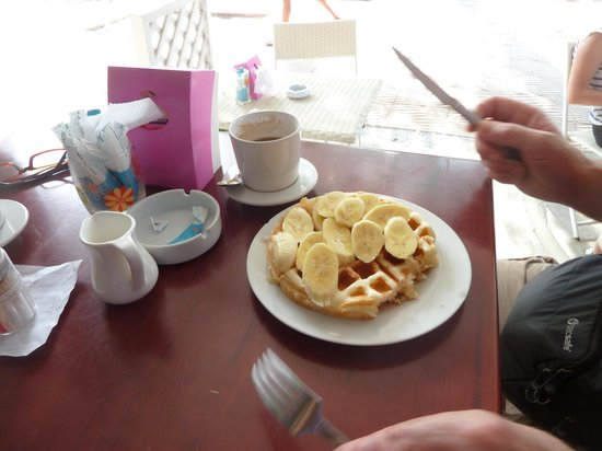 Sitti Cafe and Restaurant: banana pancake (waffle)