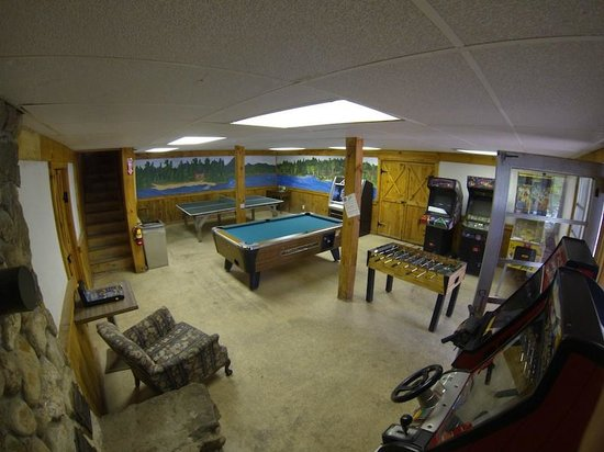 Chocorua Camping Village: Rec Room