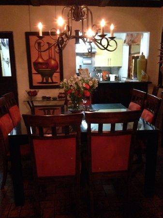 Casa 69 : Dining room