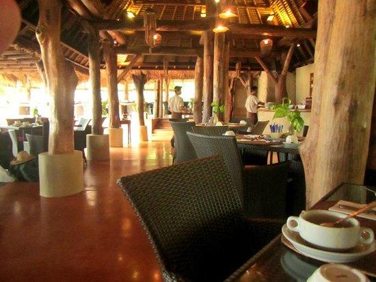 Novotel Lombok : Breakfast
