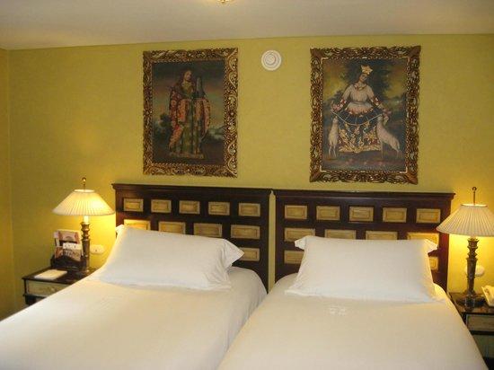 Belmond Hotel Monasterio: Amazing artwork