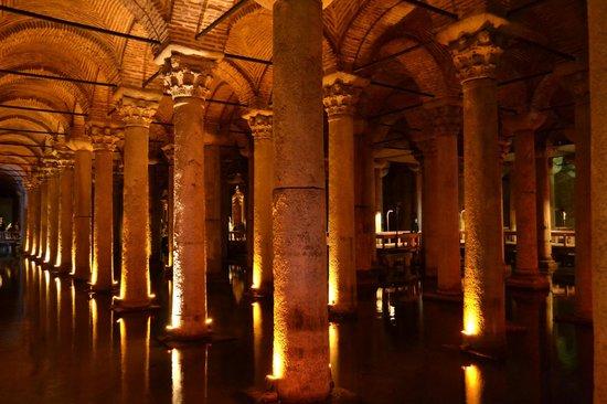 Cisterna Basilica (Versunkener Palast): A pic