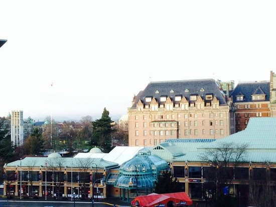 Victoria Marriott Inner Harbour: View from the room balcony
