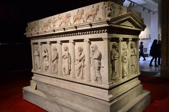 Museo de Arqueología de Estambul: Tumba