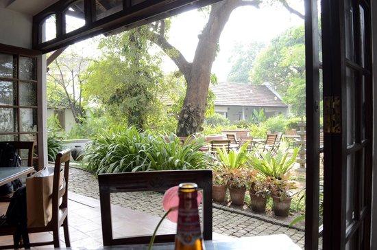 Old Harbour Hotel Restaurant: The Garden View