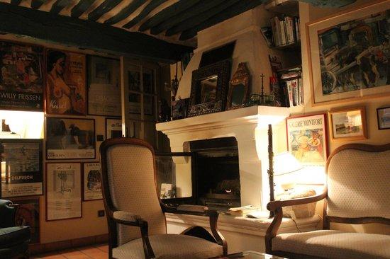 L'Eveche : Salon avec cheminée