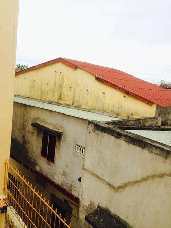 An Hoi Hotel : Вид из окна