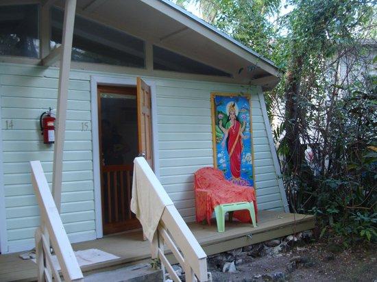 Sivananda Ashram Yoga Retreat: not my room - think it's a garden room - looks nice
