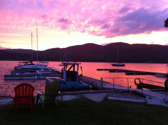 Willsboro, estado de Nueva York: Indian Bay Marina Beautiful Sunsent view
