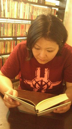 O' Cha Cha Modern Japanese Dining: Lots of comics to read while you wait