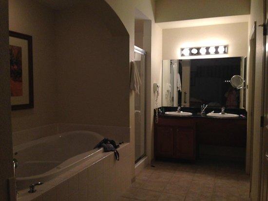 Lake Buena Vista Resort Village & Spa: DUCHAS Y YACUZZI PERFECTAS