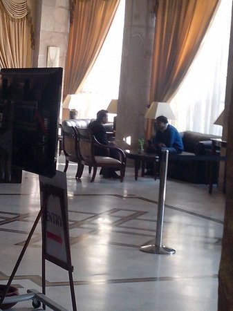 Hotel Aketa: The Ground floor Lobby
