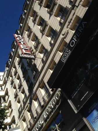 London Hotel: Hotel London from Boulevard des Italiens