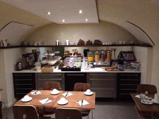 Art Hotel Batignolles: Salle de petit déjeuner.
