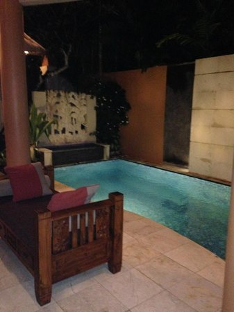 Bhavana Private Villas : the pool