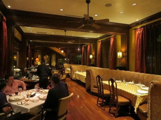 Restaurante Grano de Oro: Banquettes in the dining room