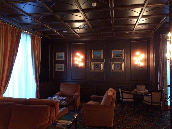The Regency Hotel: Atmosfera British