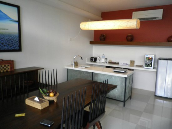 Ubud Green: Little kitchen area nicely equiped
