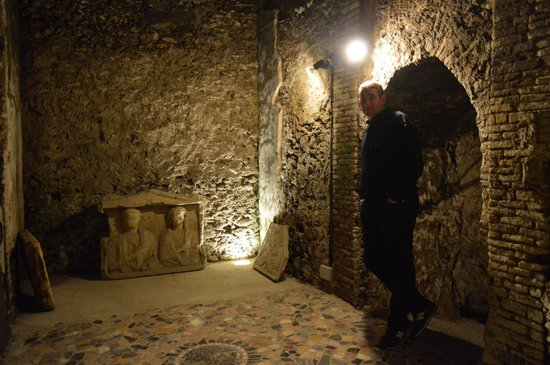 The Inn At The Roman Forum - Small Luxury Hotel: Roman ruins beneath the hotel.