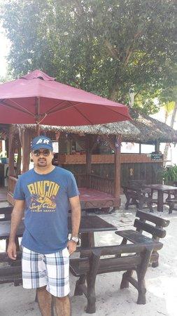 Cenang Beach : Cafe at beach