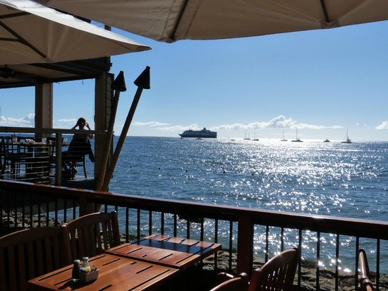 Holo Holo Private Taxi Tours: Kimo's Restaurant view