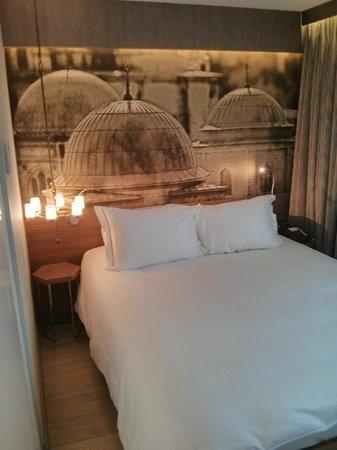 Boutique Saint Sophia Hotel: Particolare della camera