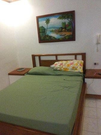 China Sea Beach Resort: interior of the rooms near the pool