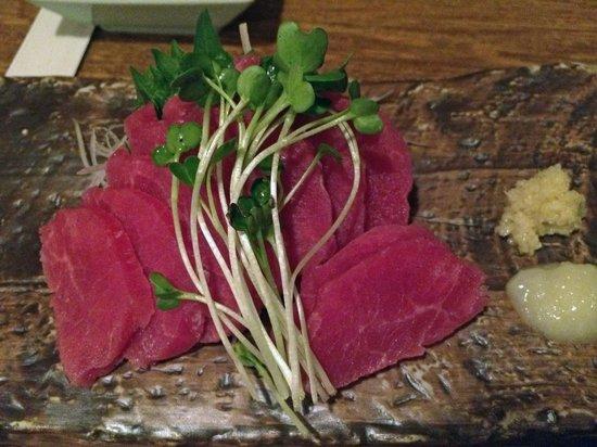 Grilled Skewers & Local Sake Tsuu Nishiarai: 馬刺し
