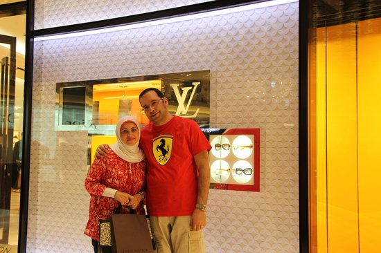 Four Points by Sheraton Sheikh Zayed Road, Dubai: My wife got LV nice bag from Dubai Mall