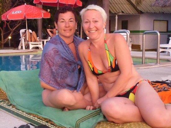 Lime n Soda Beach Front Resort : la piscine