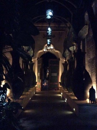 The Baray Villa: Entrance of the Villa