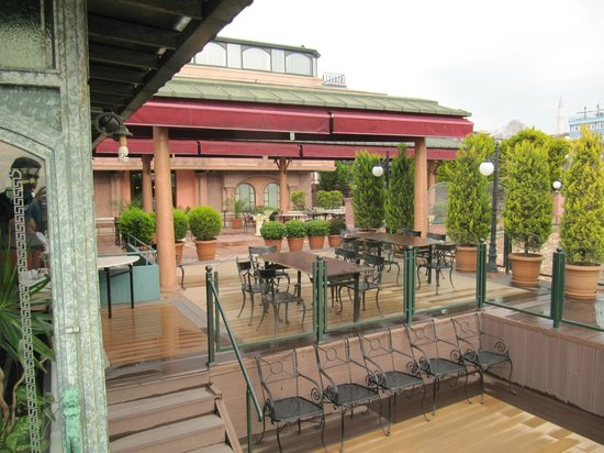 Sultanahmet Palace Hotel : breakfast terrace