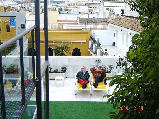 Hotel San Gil : Zwembad op het dakterras