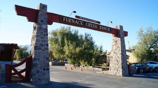 Furnace Creek Inn and Ranch Resort: Entrée du Furnace Creek Ranch