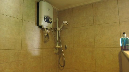Maison Soleil : shower