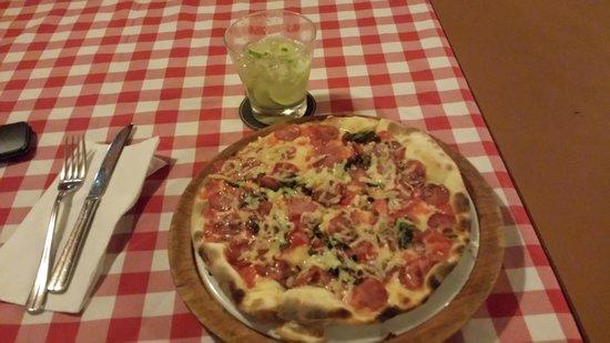 Margherita Pizzeria : Pizza pizzaiola & caipirinha