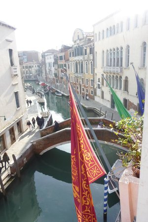 Hotel Papadopoli Venezia MGallery by Sofitel: View out our window