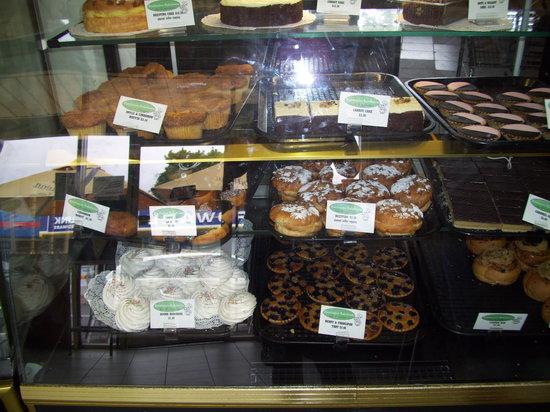 Batehaven Bakehouse: Cakes