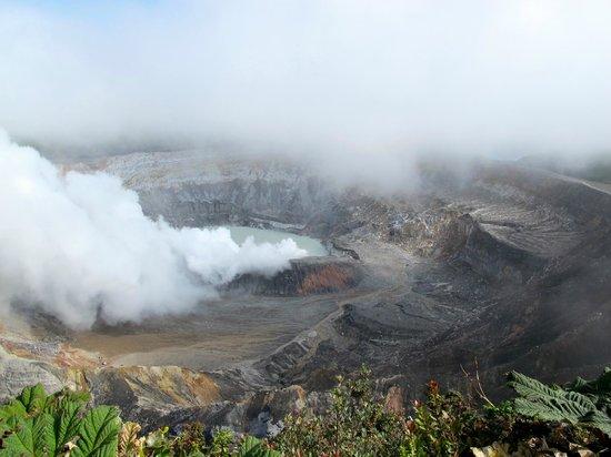 Poas Volcano: Magnificent volcano