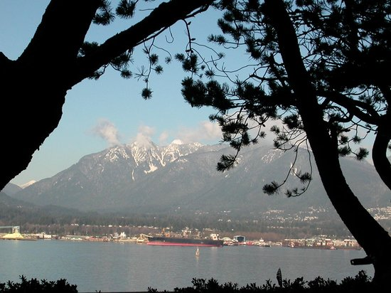 Pan Pacific Vancouver : the north shore